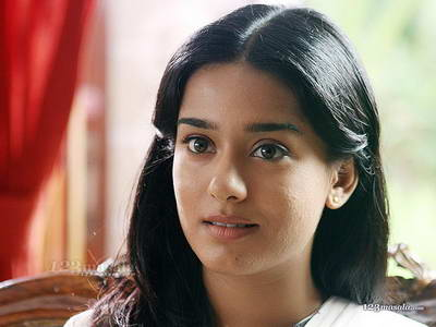 Here is simple N cute Amrita
